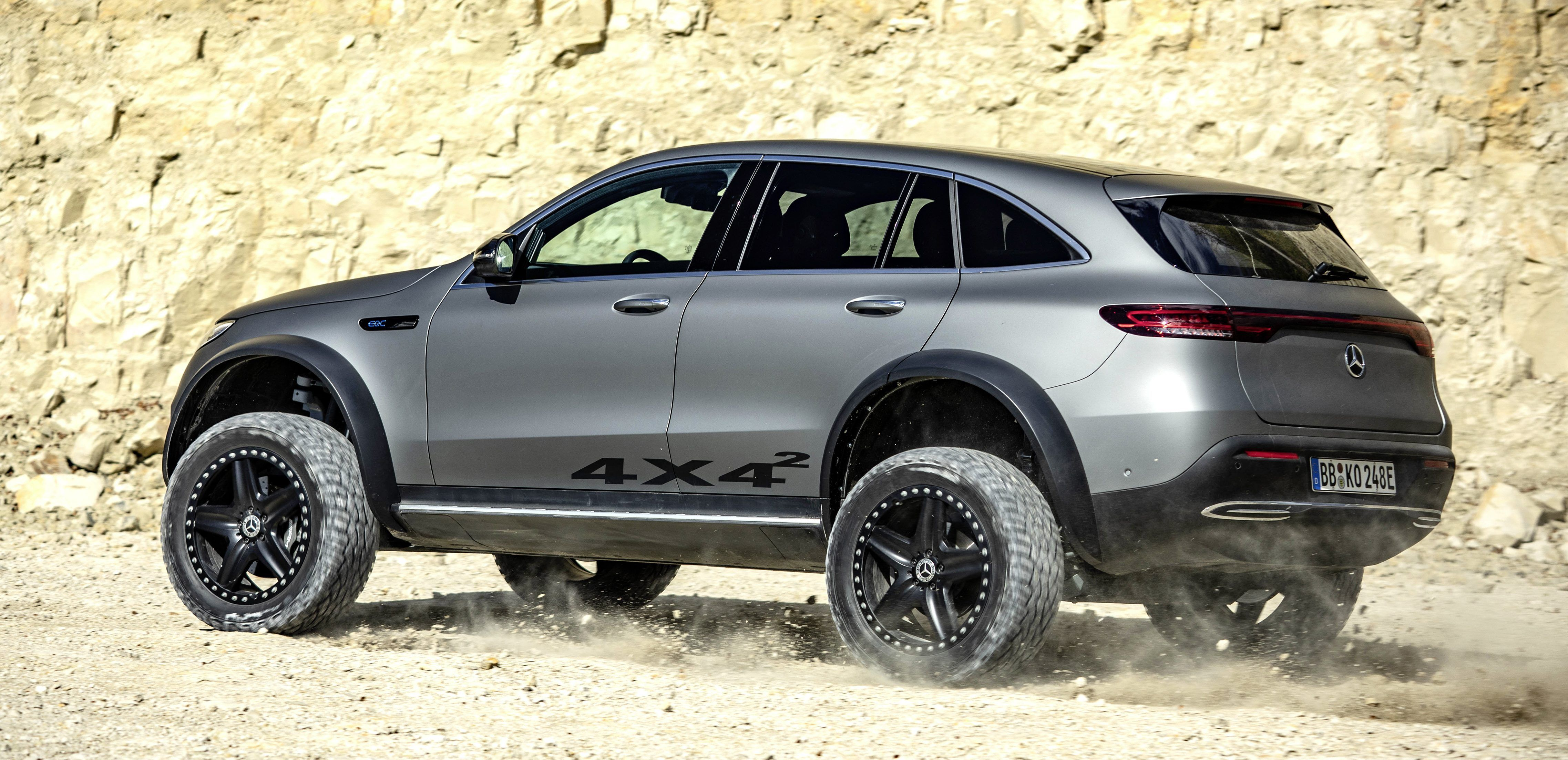 Mercedes Benz Unveils Rugged Eqc 4 4 Electric Off Road Suv Mercedes Benz Mercedes Electric Mercedes