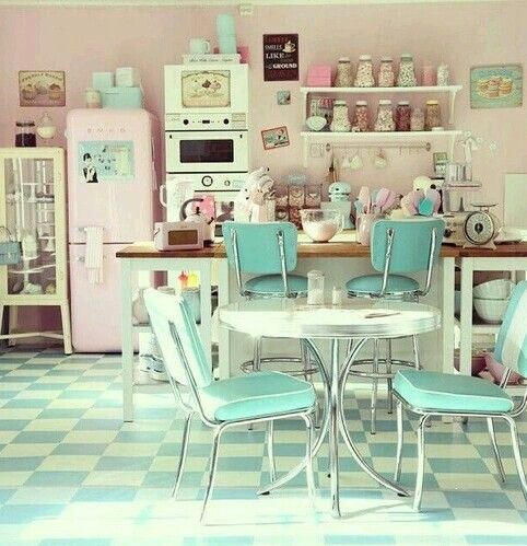 50 39 s style pastel kitchen rockabilly k che k che k chen ideen und neue k che. Black Bedroom Furniture Sets. Home Design Ideas