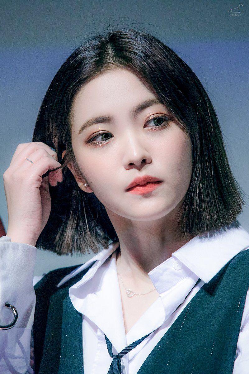 Dedicated To Female Kpop Idols Beludru Merah Gaya Rambut Pendek Gaya Rambut