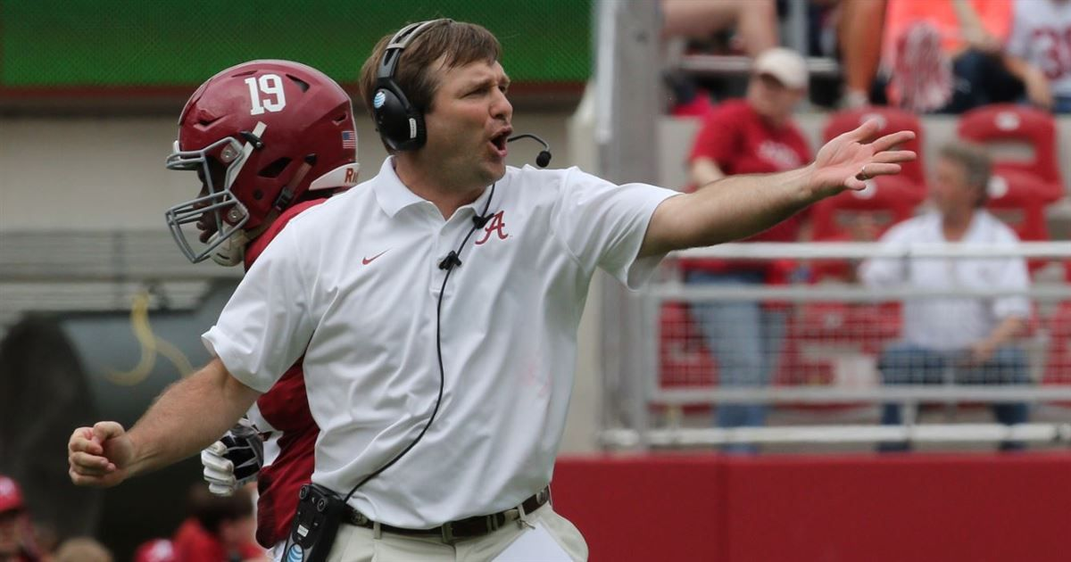Alabama defensive coordinator Kirby Smart has been named one of five finalists for the 2015 Broyles Award, the Rotary Club of Little...
