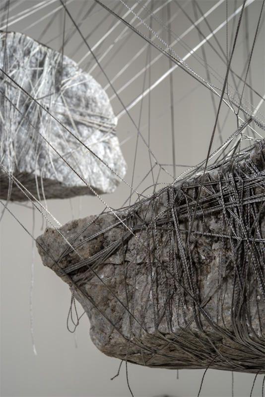 Nathalia García | Construções Suspensas: Mármore e Granito
