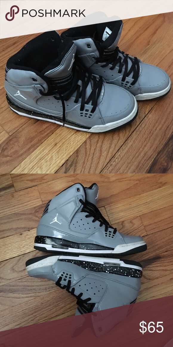 5c77a747e2f068 Men s Size 7 Jordans like new!! I bought them and they were too small for  me so I can t wear them! Jordan Shoes Sneakers