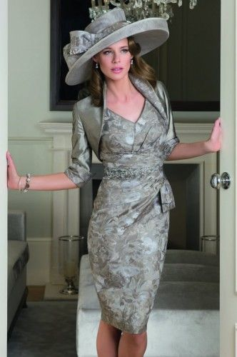 Winter Wedding Outfits For Mother Of The Bride - Ocodea.com