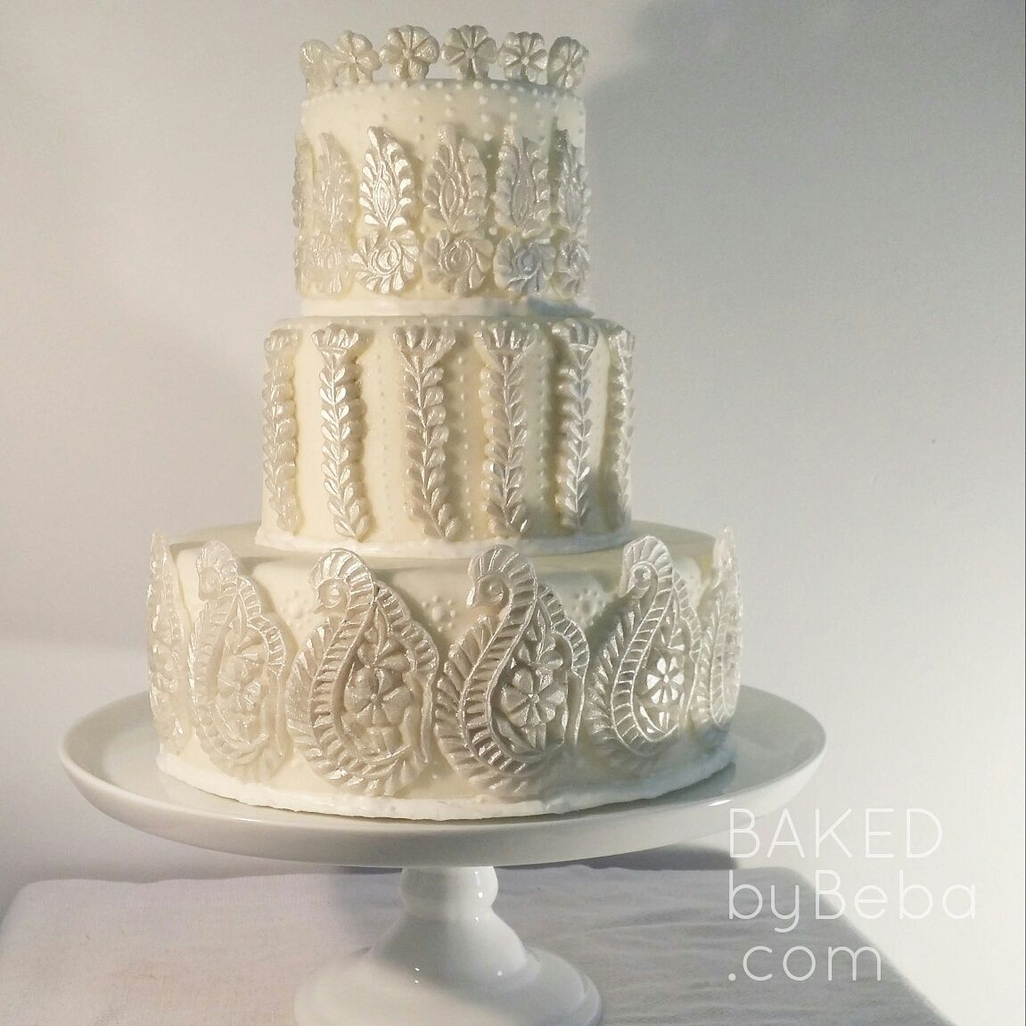 RUBYS WEDDING CAKE She Walks In Beauty Butter Vanilla Wedding Cake With A Delectable White