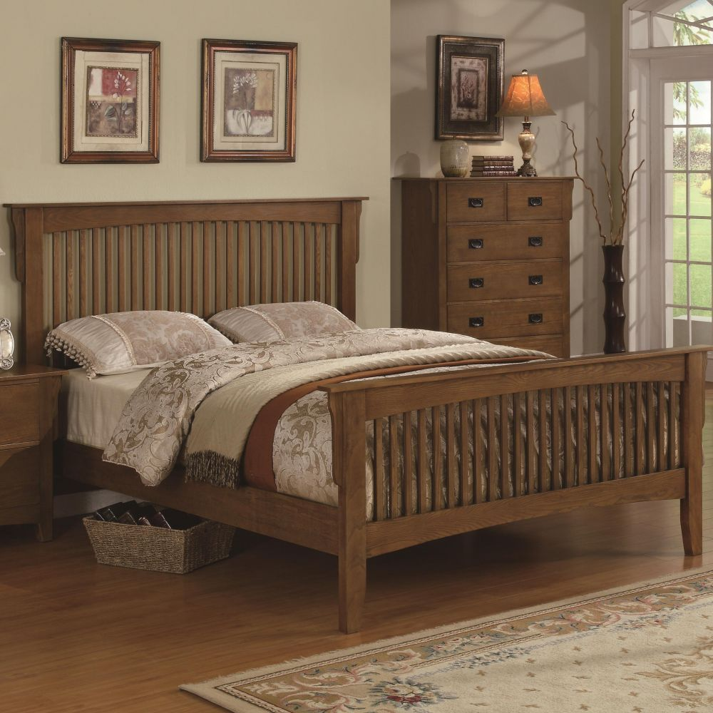New very classic queen bed finished in a cherry color