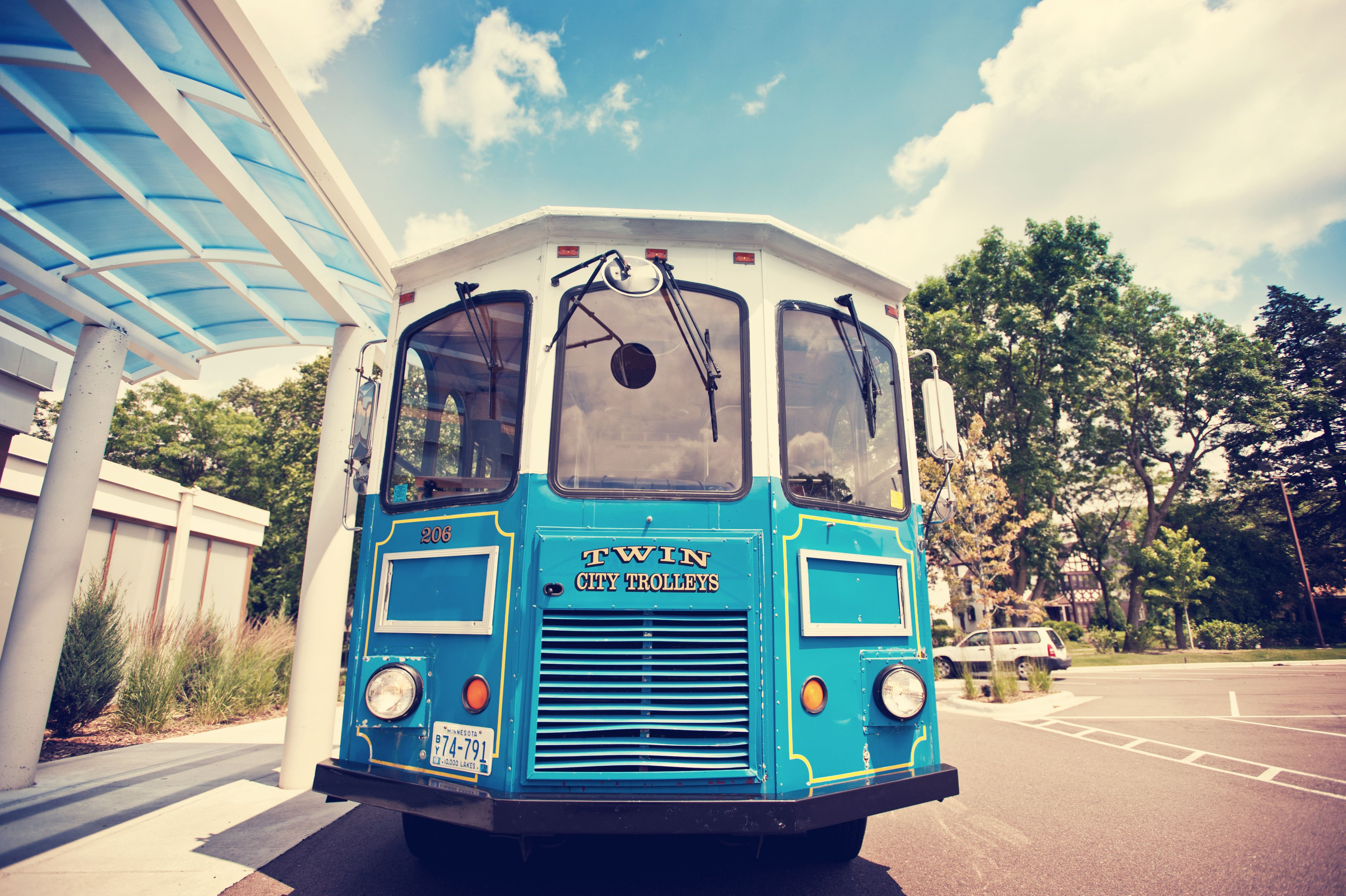 An old school trolley fro your wedding party! Photo by