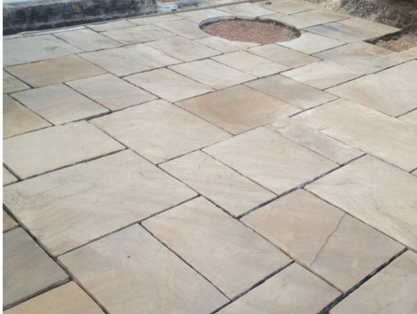 New Riven Yorkstone Paving With Fettled Edge Paving Patio Stones Paving Flags
