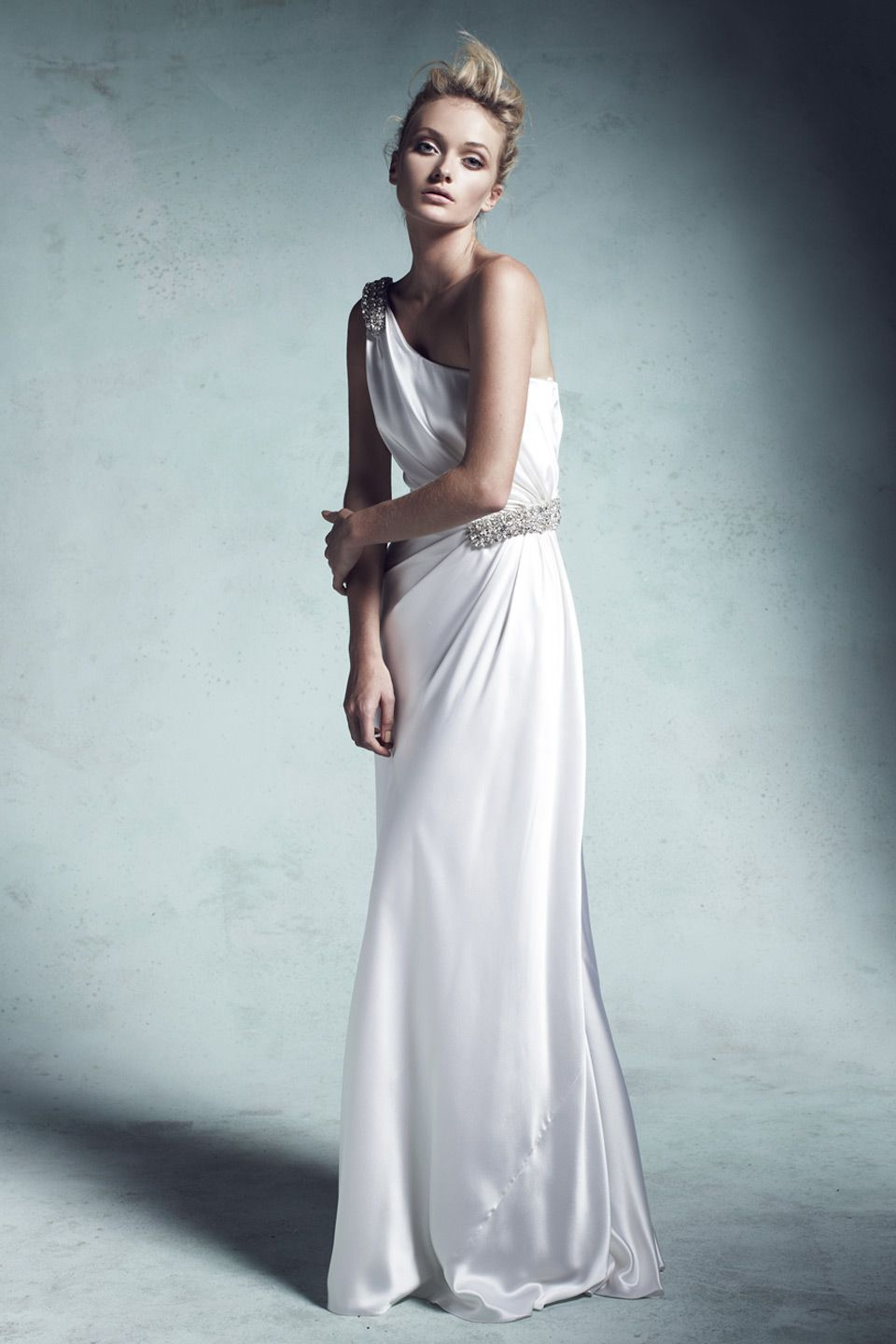 Look6_12115075B_Olivia_Silk-satin-asymmetric-embellished-gown.jpg (960×1440)