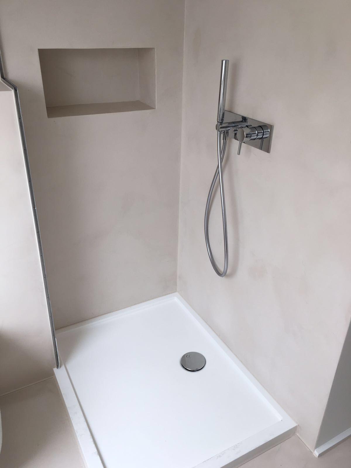 Badezimmer Ohne Fliesen Du Hast Die Nase Voll Von Schimmeligen Und Schmutzigen Fugen D In 2020 Badezimmer Fliesen Badezimmer Dusche Fliesen Badezimmer Aufbewahrung