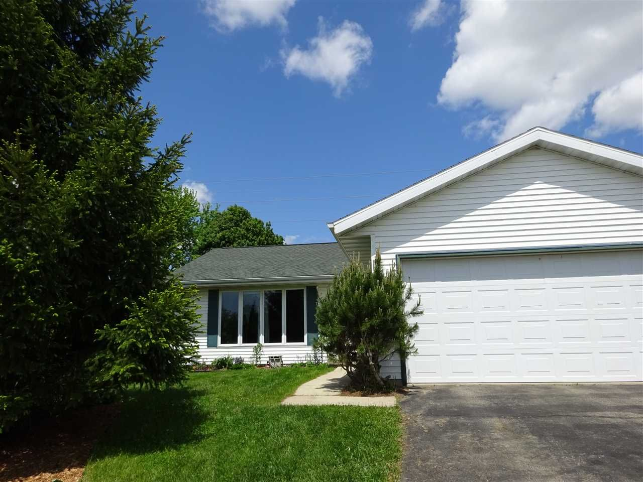 6338 Hartford Dr  Madison , WI  53719  - $209,000  #MadisonWI #MadisonWIRealEstate Click for more pics