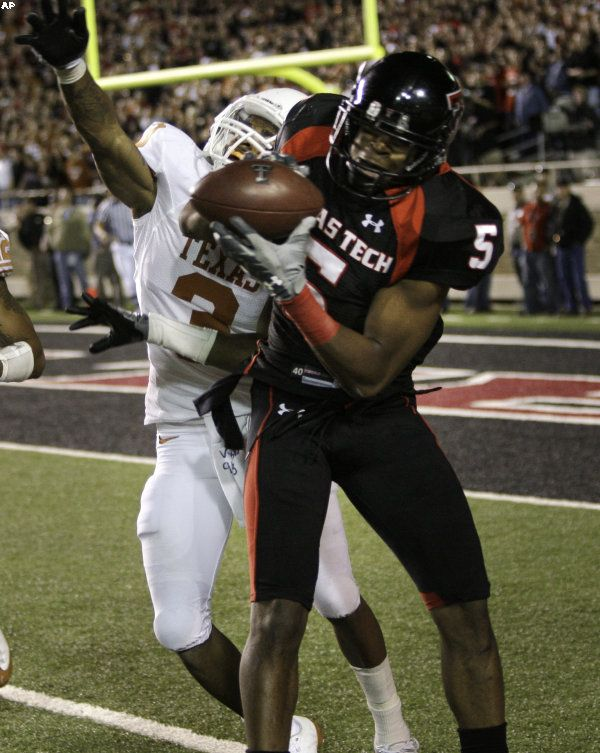 Texas Tech wide receiver Michael Crabtree pulls in the game ...