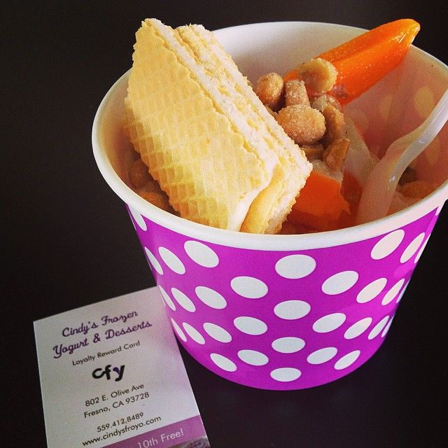 "@binxy_binx's photo: ""#froyo #orangecreamsicle #towerdistrict #cindysfrozenyogurt"""