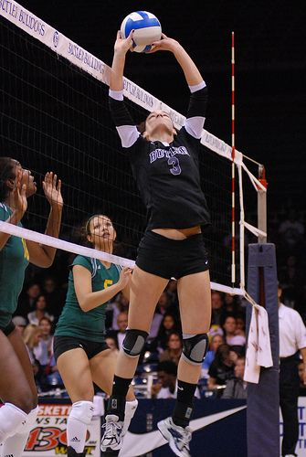 Volleyball Setter Position What Makes A Good Setter And Team Leader Volleyball Setter Volleyball Tryouts Volleyball Poses
