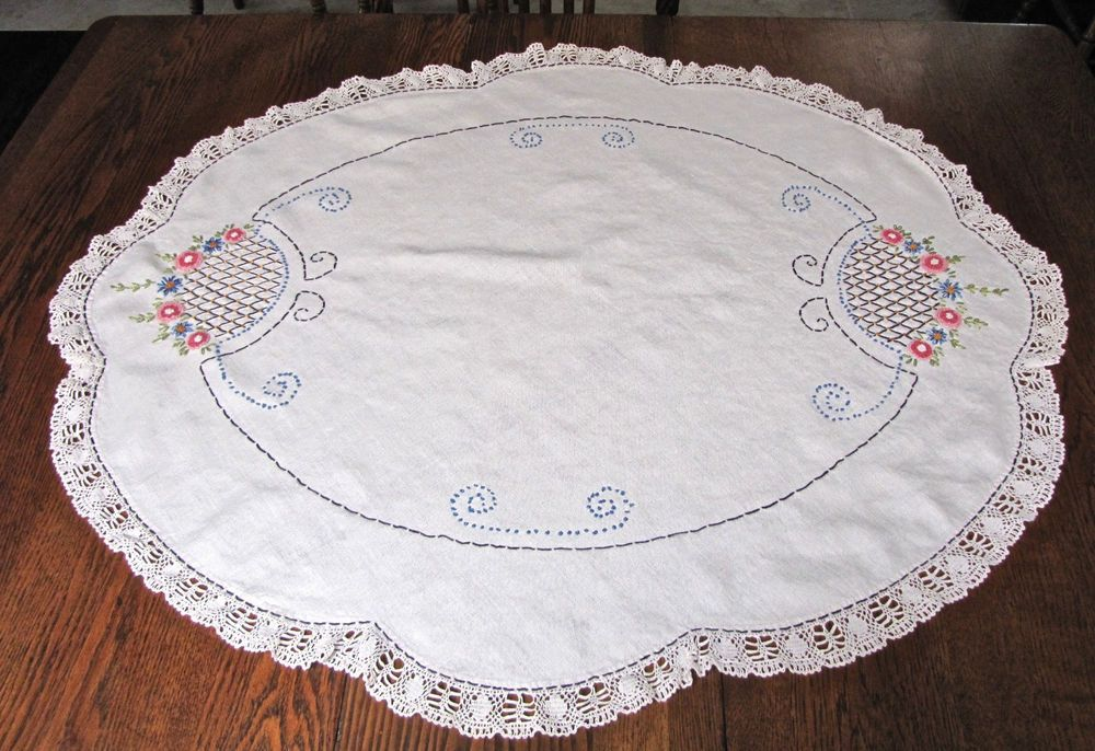Vintage Large Oval Embroidered Table Topper Centerpiece Small
