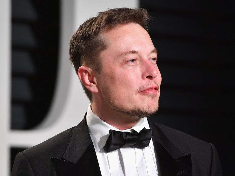 How Tesla Ceo Elon Musk Makes And Spends His 23 Billion Fortune Business Insider Https Www Businessinsider Com Tesla Elon Musk Net Worth 2017 10