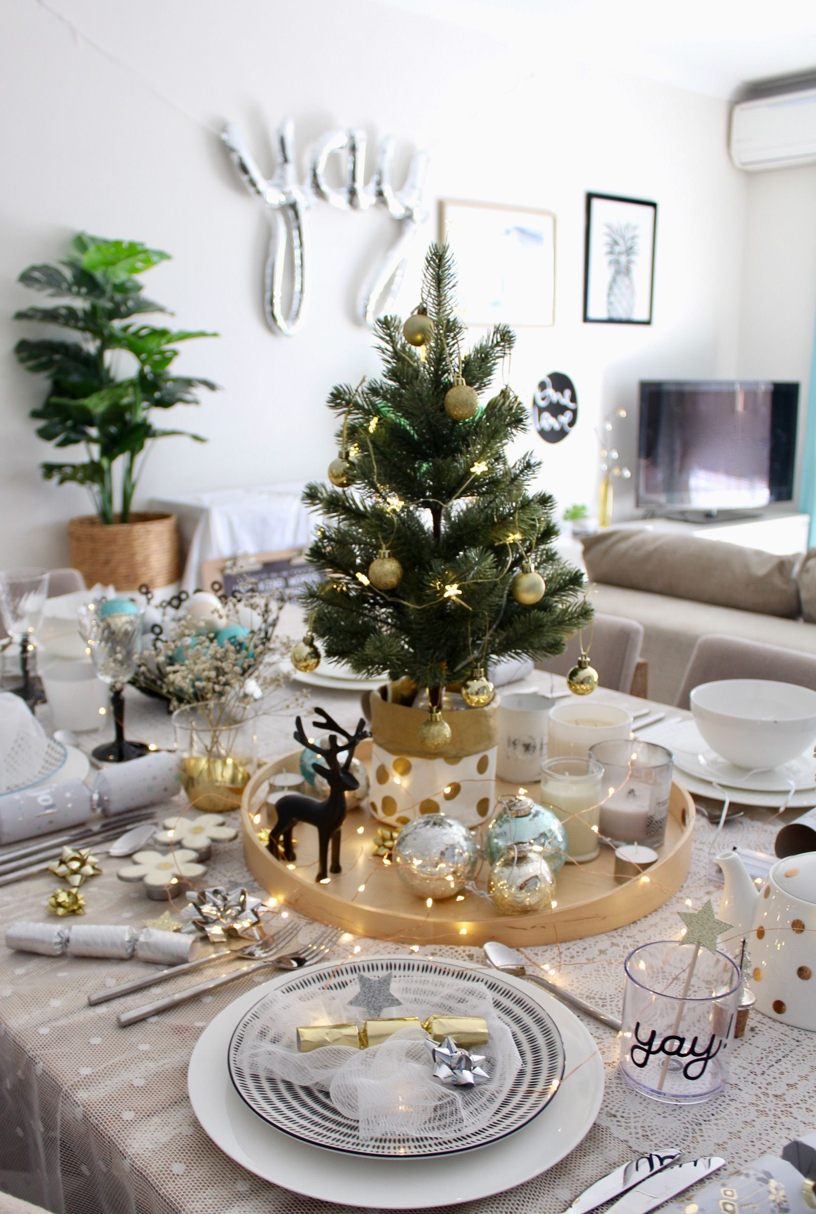 How To Style A Christmas Table With Ease Christmas Table Centerpieces Christmas Table Christmas Table Decorations