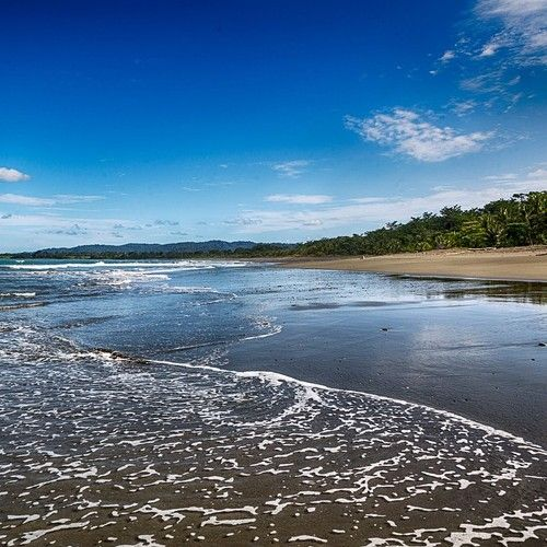 It's Ocean-View Saturday in Costa Rica! Let's go for a stroll… #costarica #beach #happy