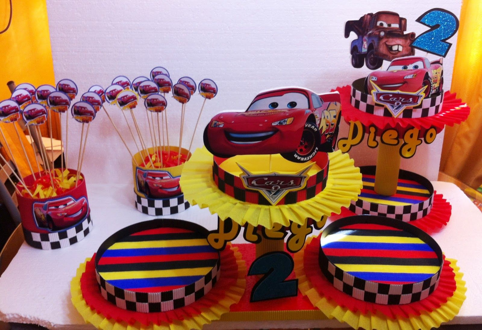 Cars decoraciones infantiles cars 2 1 pinterest - Fiestas de cumpleanos decoracion ...