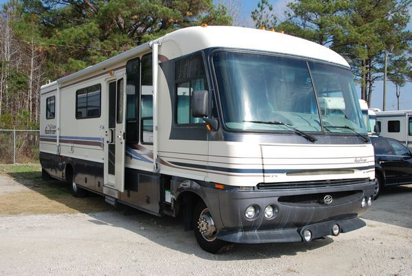 How To Properly Maintain Your Quot Rubber Quot Rv Roof Rv Rv