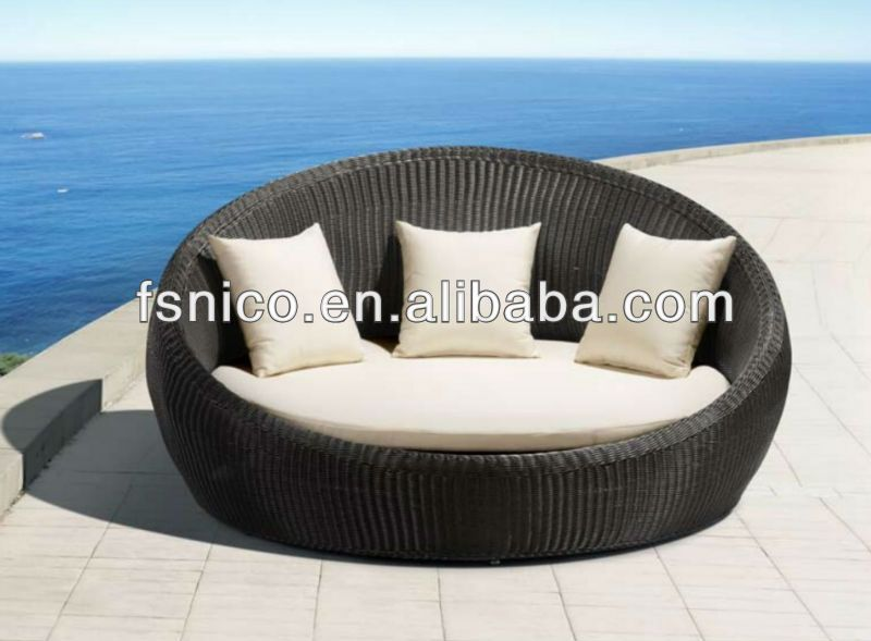 Round Bed Lounge Chair Buy Round Bed Outdoor Round Lounge Chairs Bar Lounge Chairs Product On Alibaba Com Outdoor Bed Outdoor Daybed Beach House Chairs