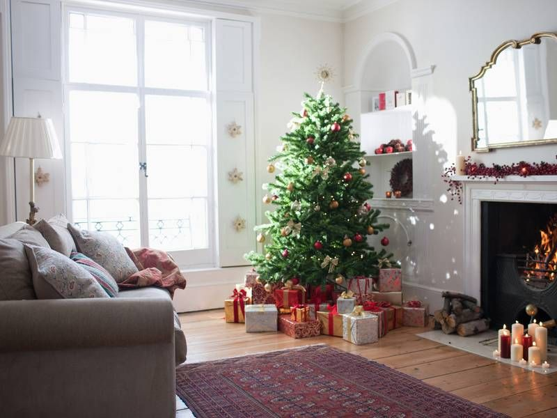 10 Easy Ways to Make a Fake Tree Look More Real | Cool ...