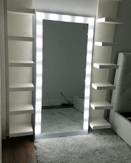 dileksbeautylounge sur Instagram : Weiß zufällig jemand wo man so einen Spiegel bekommt? Finde den sehr schön und würde super in mein Zimmer… #zimmer+deko