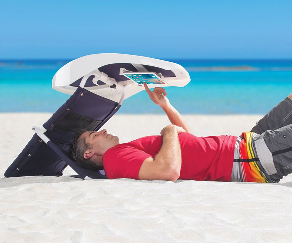 Elegant Portable Sunshade Beachgoeru0027s Reading Room