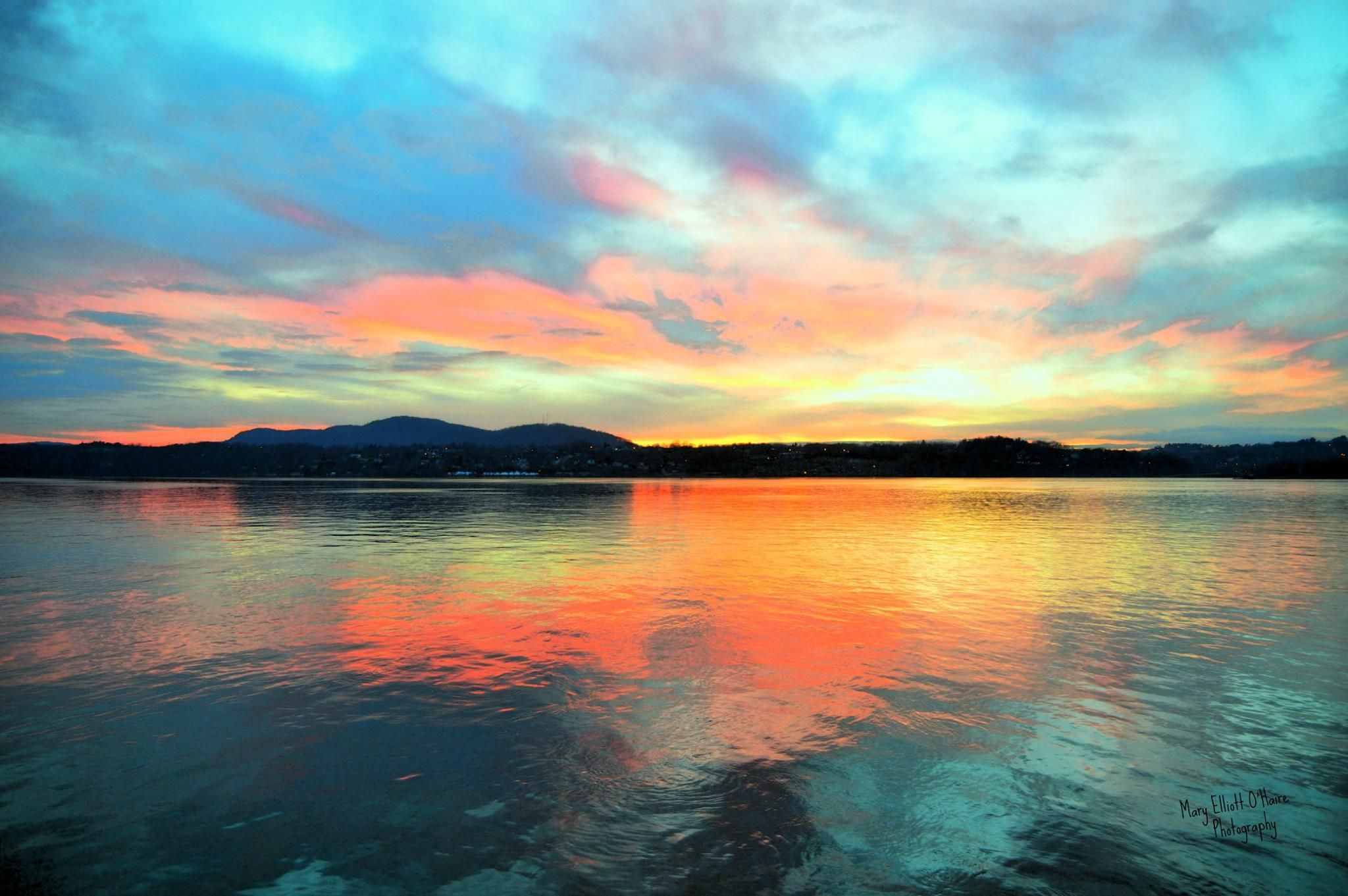 Pic of the Day..Beautiful sunset by Mary Elliott-O'Haire Photography  #hudsonvalley #selectregistry Select Registry