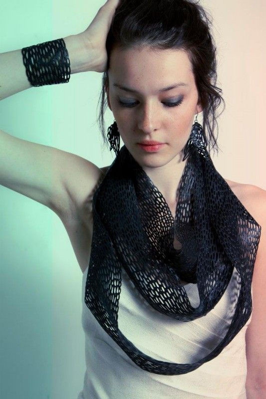 Jewels from bicycle inner tubes '207km' necklace  - Jewels by OTRA  (Julie Ferrero et Guillaume Darnajou)
