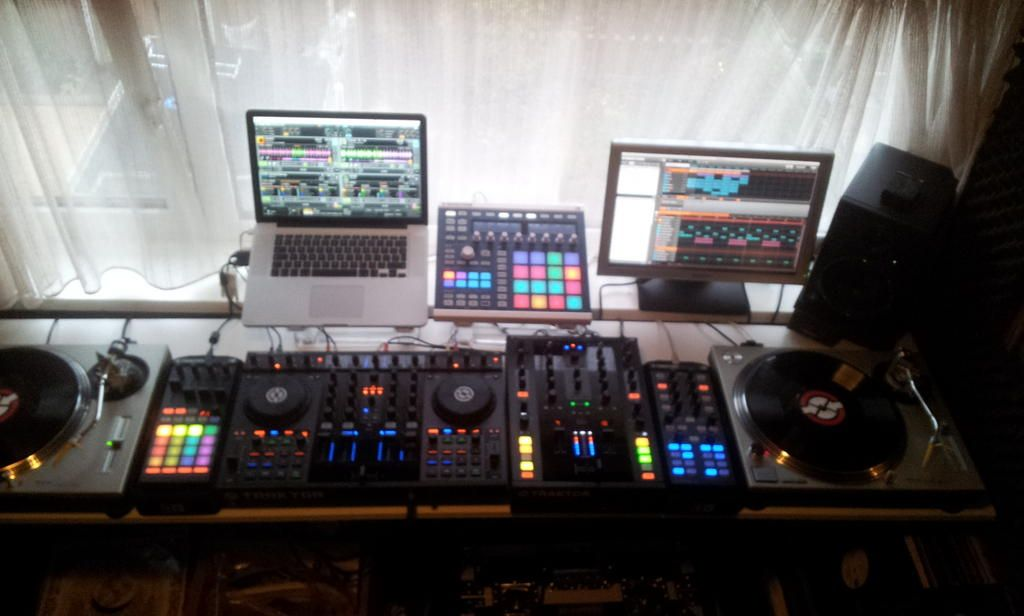 Native Instruments Setup with Technics Turntables