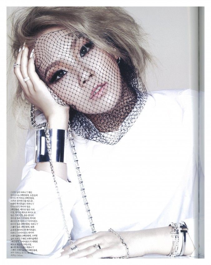 Fabulous CL stuns in ELLE Korea magazine