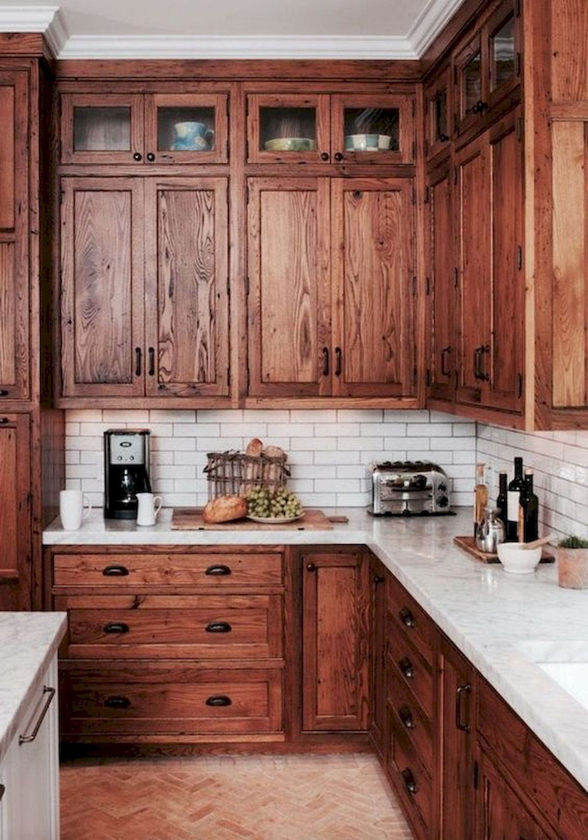 40 Best Farmhouse Kitchen Cabinets Design Ideas (12 #darkkitchencabinets
