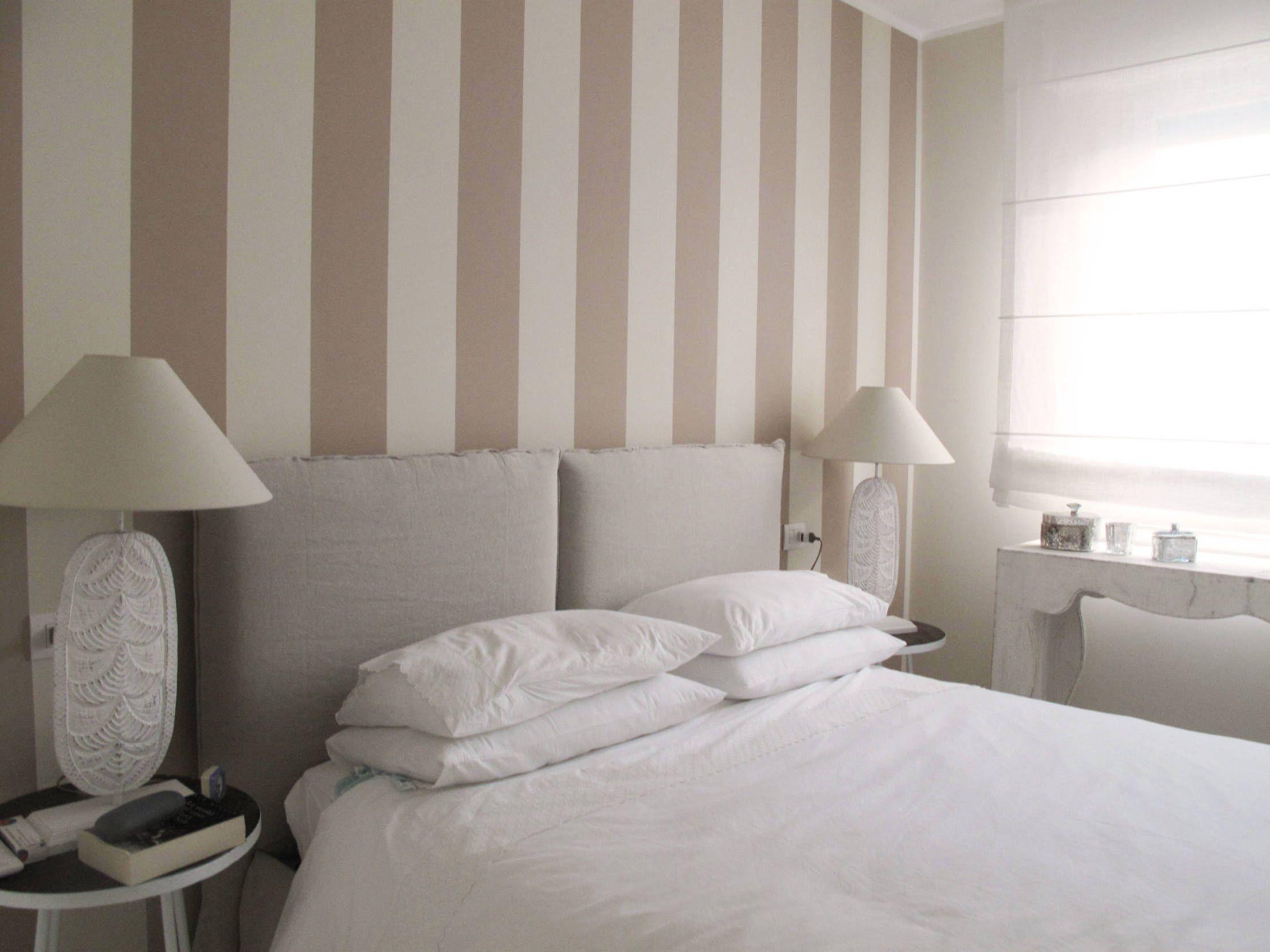 Cerca tutti i prodotti, i produttori ed i rivenditori di carte da parati shabby chic in vendita: Carta Da Parati A Righe Per Personalizzare I Vostri Ambienti Homify Design Your Bedroom Home Decor Bedroom Decor