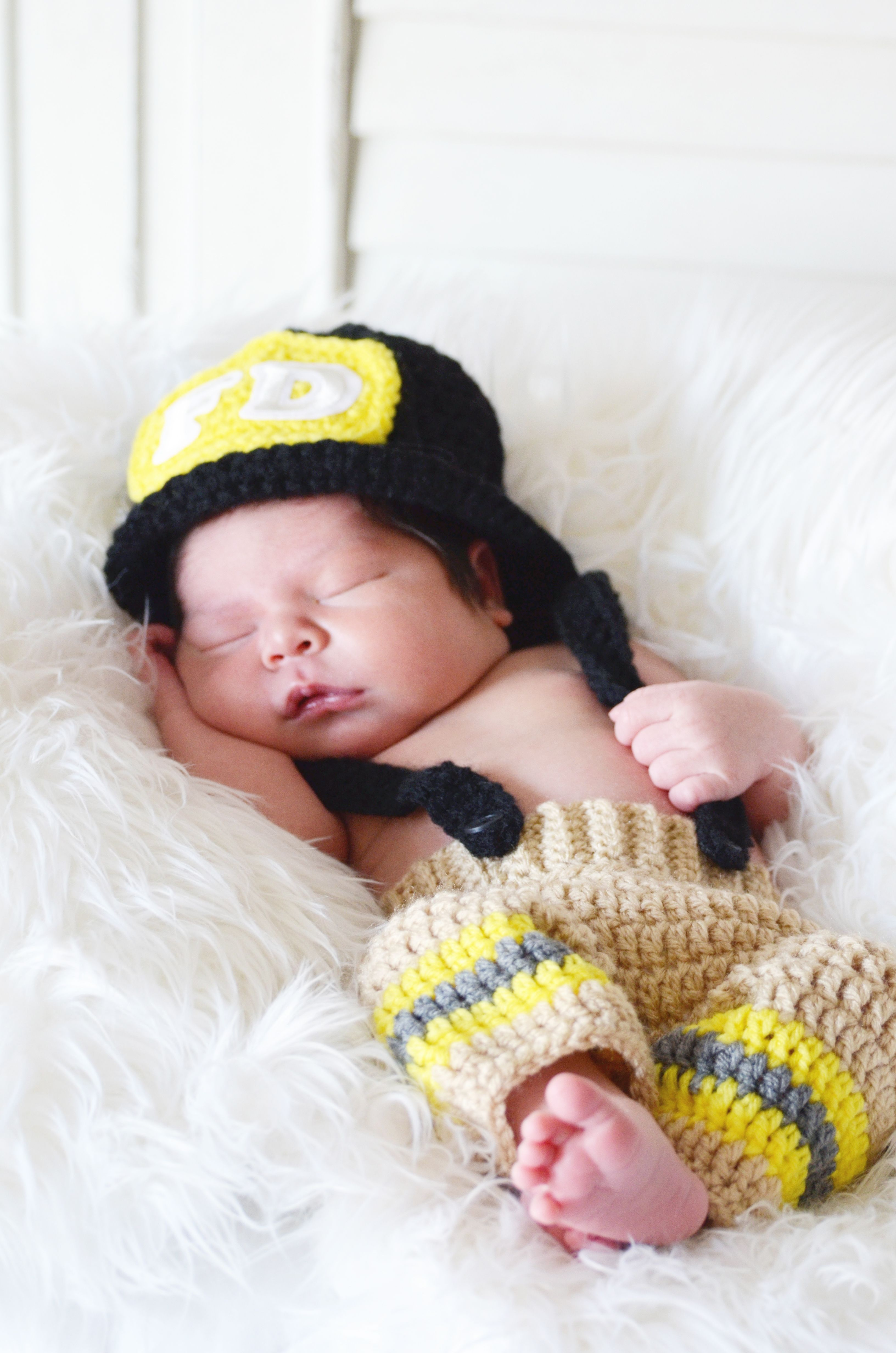 newborn firefighter outfit photography  db1876b94b4