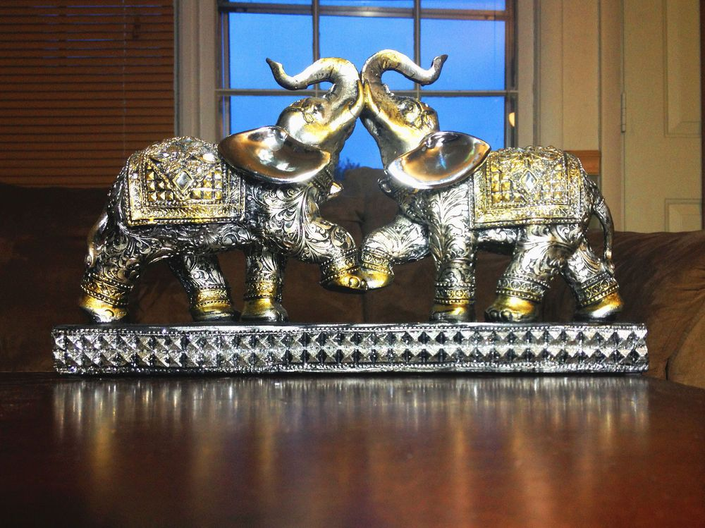Royal African Elephant Couple Statue Figurine Gift Home ... - photo#33