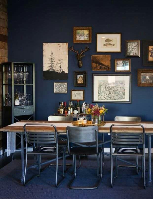 Casa Vogue - sala de jantar escura e industrial