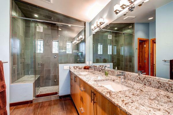 Geflieste Duschen Tipps und Ideen für einzigartige