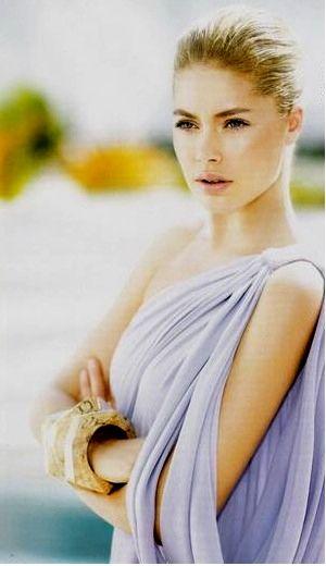 Doutzen Kroes in draped Grecian goddess gown.