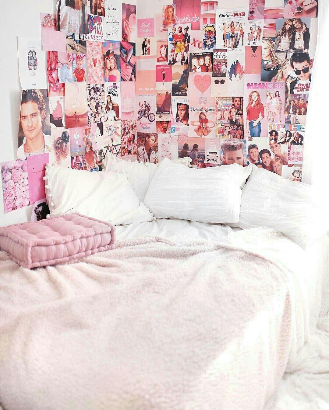Quarto De Uma Adolescente Urbanoutfitters Dorm Room Decor Retro Room Pink Dorm