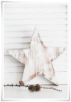 wooden Christmas star in shabby look | Xmas decoration . Weihnachtsdekoration . décoration noël | @ Shabby Look |