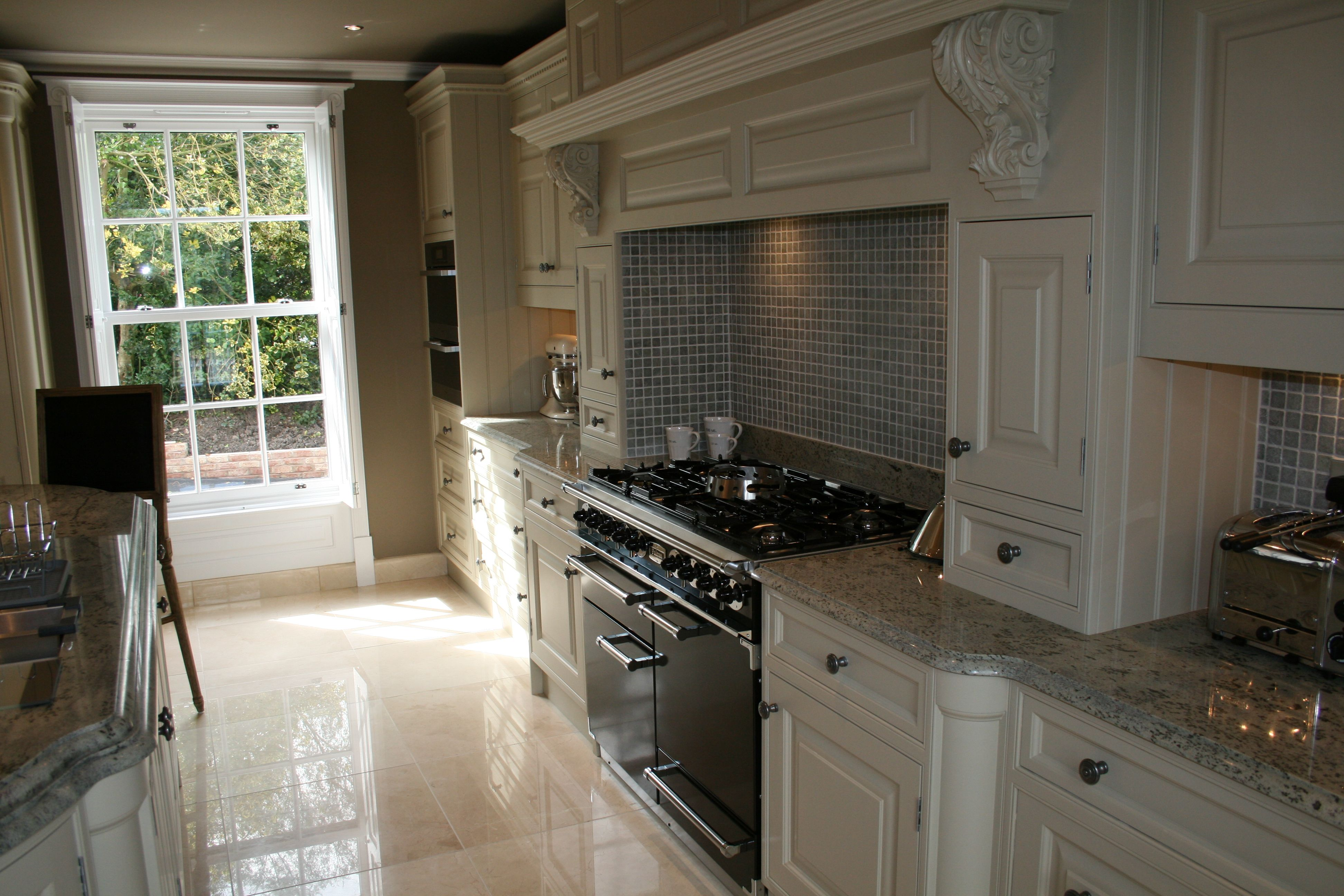 Contemporary style painted in-frame kitchen from OakleighCabinets.co.uk