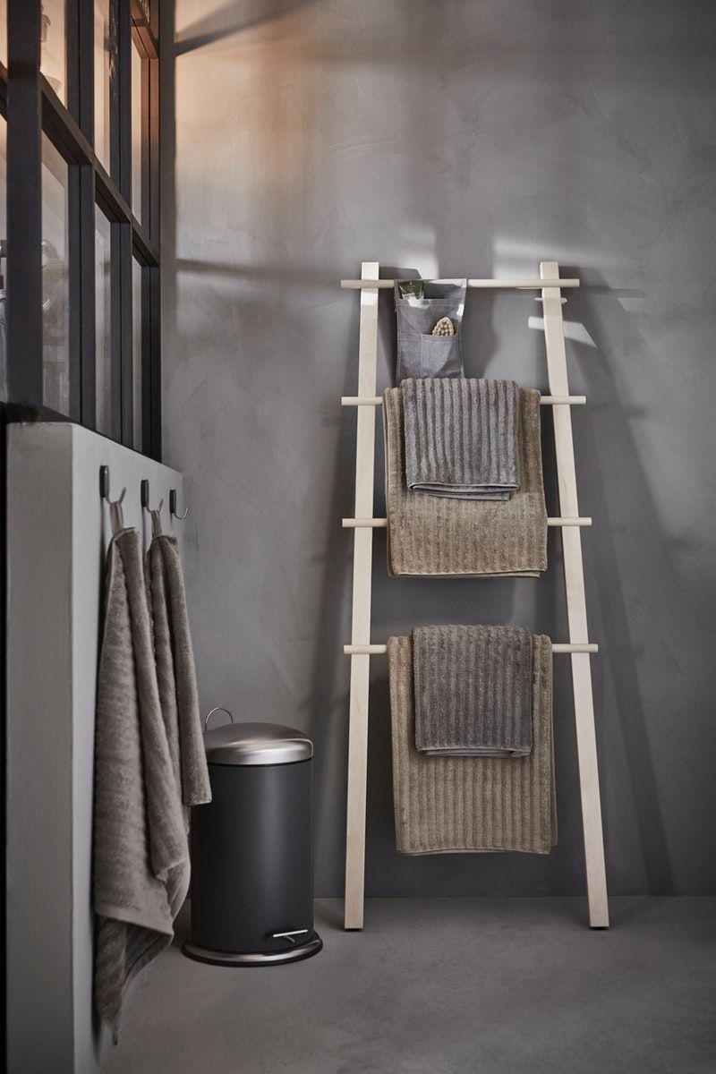 Skandinavische Badezimmer Einrichtung Vilto Handtuchstander Aus Holz Handtuchhalter Ideen Badezimmer Einrichtung Einrichtung