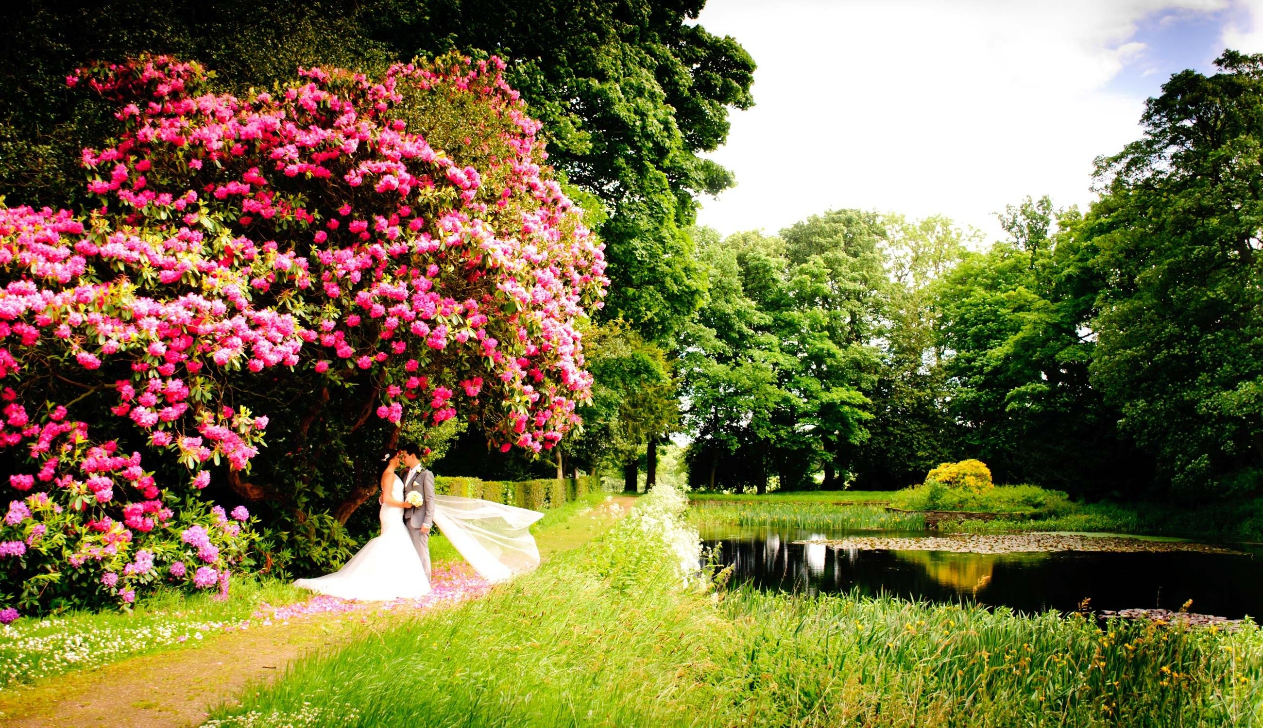Wortley Hall Grounds Perfect Wedding Venue Yorkshire