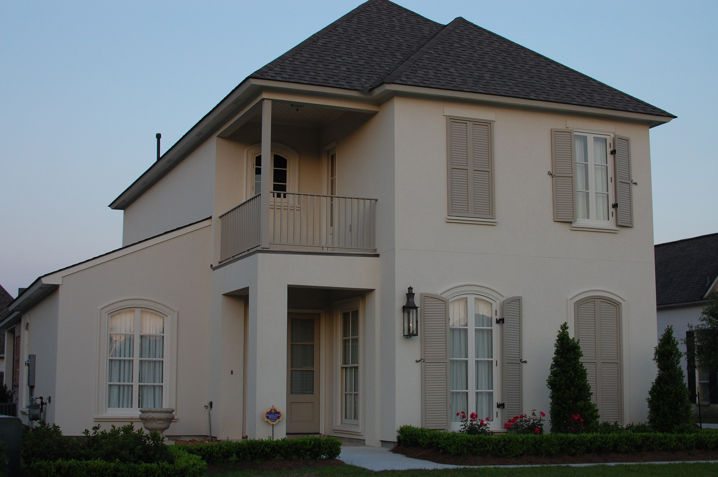 Ballet white brandon beige benjamin moore previous work - Exterior paint coverage on stucco ...