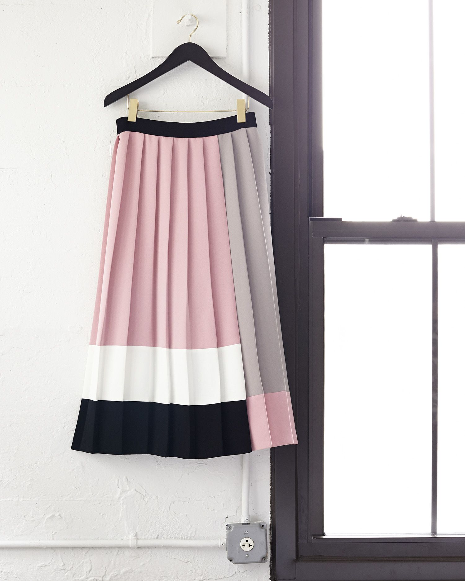 the cool hues of this colorblocked skirt were inspired by neapolitan ice cream, one of our favorite sweet treats. and, like that confection, this piece is classic without being the least bit boring.