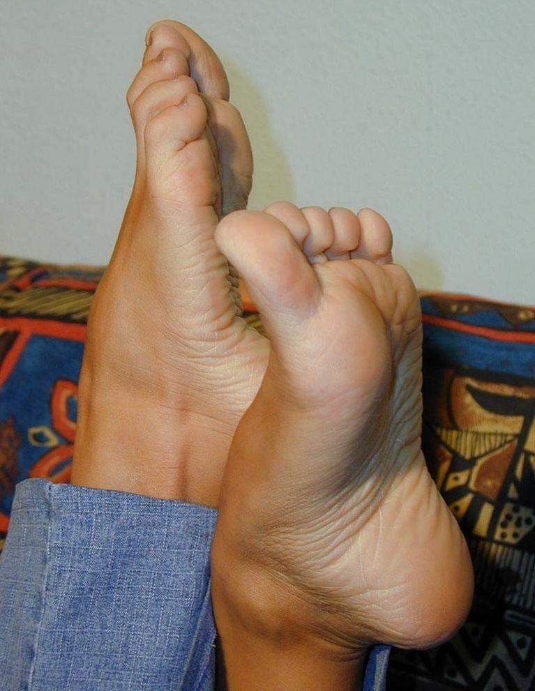Feet soles sexy