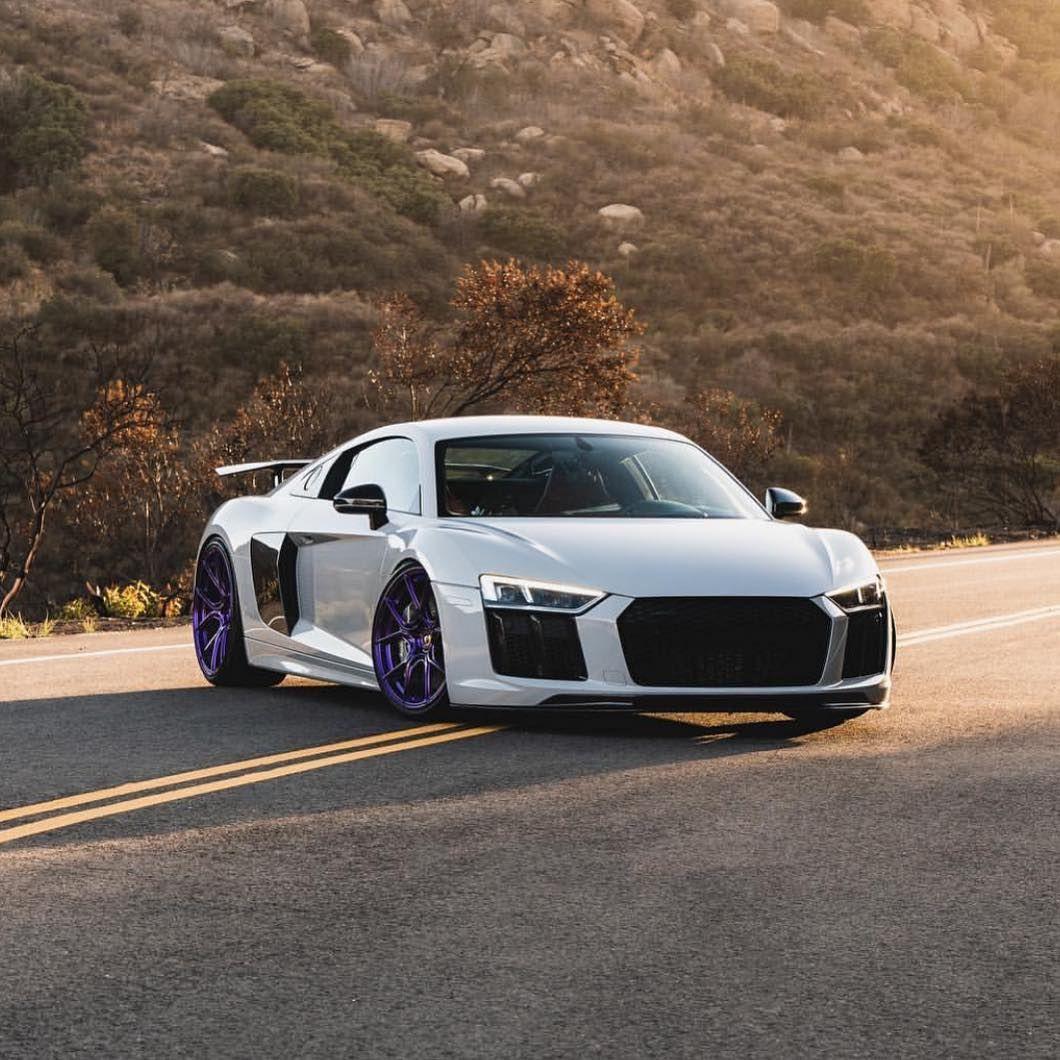 Mean R8 V10 😈 #supercar