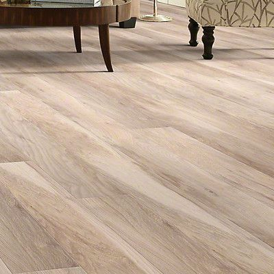 Shaw Floors Grand Summit 8 X 79 X 10mm Hickory Laminate In Natural Hickory Hardwood Floors Oak Hardwood Flooring Flooring