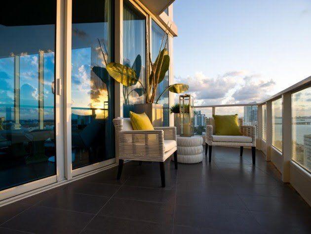 s\'abriter-du-vent-avec-parois-en-verre-sur-sa-terrasse-son-balcon ...