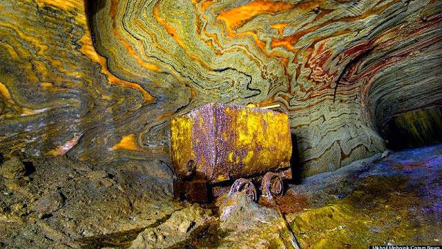 A carnallite mine located in Yekaterinburg in Russia  #geology #images #carnallite #mine #Russia #Yekaterinburg